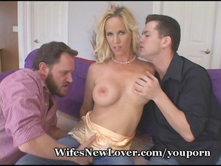 hot blond gets nasty with fresh paramours
