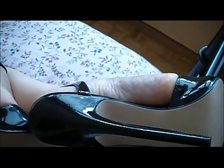 milf feets in hot highheels