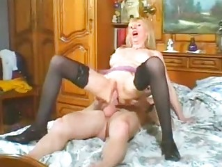 hawt milf in lingerie takes hard raw cock