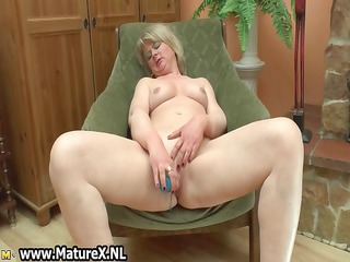 sexually excited mellow mature wife can to fuck