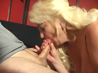 huge racked blond older underware doxy sucks dong
