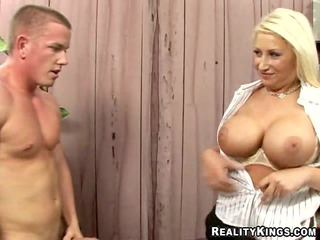 candy manson gets her milf cum-hole healed