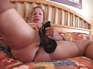 fucll fashion nylons mature busty with high heel
