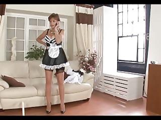 breasty british lady - maid for pleasure