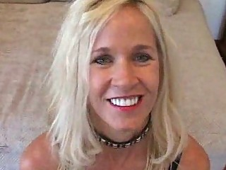 blond milf floozy can to give strangers blowjobs