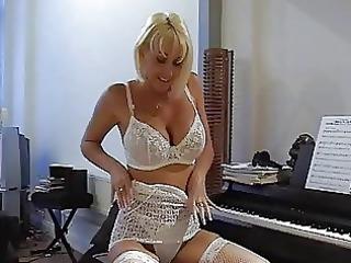 busty blond d like to fuck in hawt lace underware