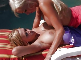 tanned blond lesbo mommas licking shaved snatches