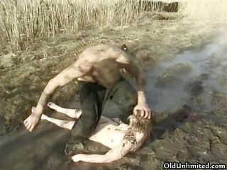 mature housewife overspread with mud part8