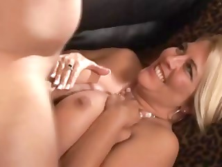 joclyn stone is a yummy blond d like to fuck who