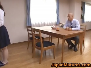 hitomi kurosaki is a sexy older