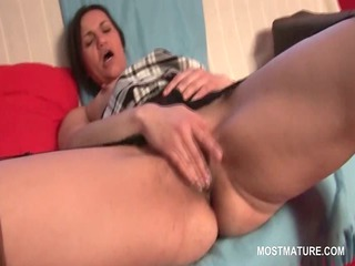 hawt aged in stockings masturbating to strong big