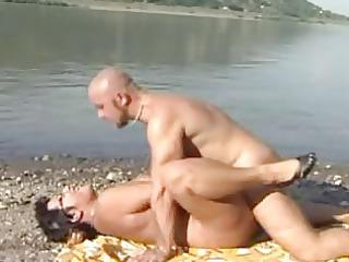 mama at beach