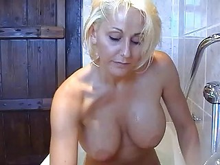bootylicious breasty blond momma plays with