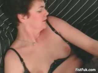 aged whore having great pussy fisting part11