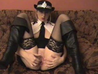 milf cop gaps her pussy