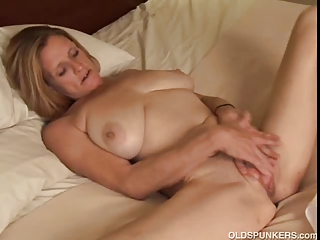 mature trailer trash amateur with large tits