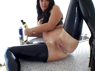 extraordinary hot milf amateur housewife