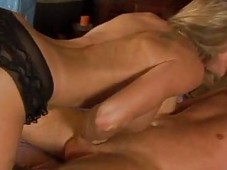 immodest d like to fuck brandi love crouches her