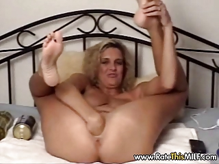italian mother i with giant sextoy
