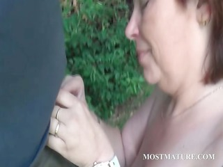 bare mommy blows hard rod outdoor