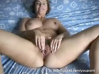 mother i wife finger-fucking her loose bawdy cleft