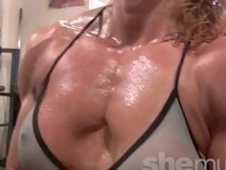 hawt older blond workout