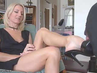 Feet mature soles moms