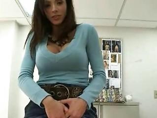 milf sells vagina for web camera licking to warm
