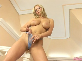 busty sheila grant bonks her vagina hard