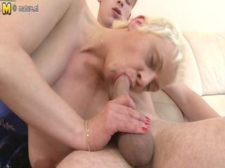 slut granny fucking her a-hole off