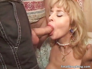 wicked hot body big boobed blonde d like to fuck