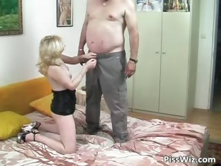 overweight dude fucks blonde d like to fuck with