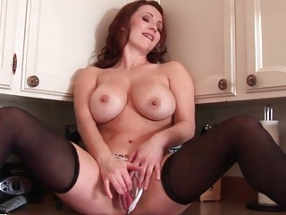 breasty redhead d like to fuck babe toys her