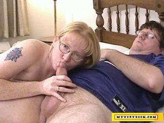 aged blonde sucking on a tiny shlong