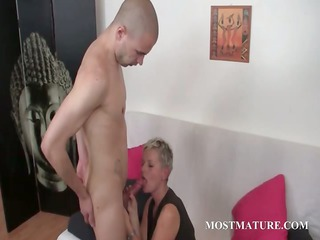 mature sexy bitch blows and rides legal age