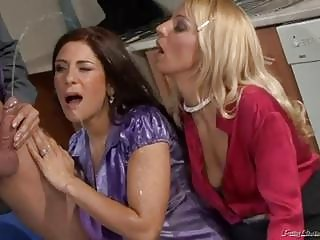 naughty milfs in sexy peeing threesome scene!