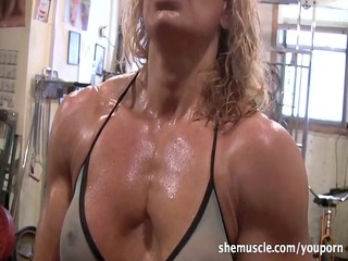 hawt aged blonde workout