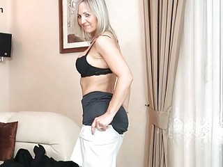 bootylicious blond mother i in black nylons