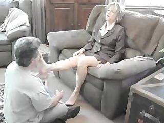worship milf lady feet