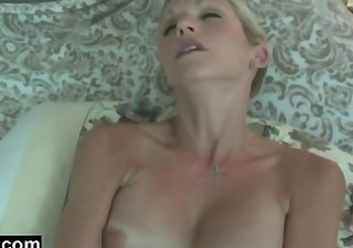 southern belle shows hospitality by engulfing my