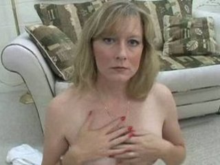 hot mother i smokes topless for