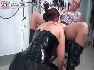 bawdy mature wench receives her pussy licked part7