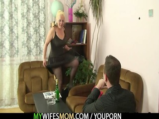 nasty mamma gets shagged after photosession