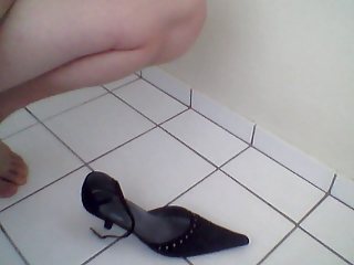 cum on my mommy shoes #2