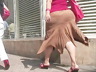 large butt - aged round wazoo - street voyeur -