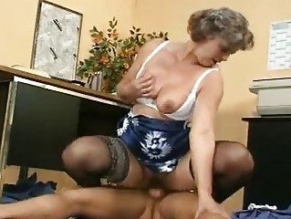 older shows her tits and hirsute cookie
