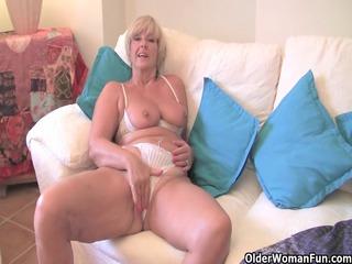 chunky grandma with big old marangos copulates a