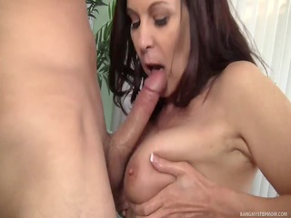 horny mother id like to fuck goes bonkers over
