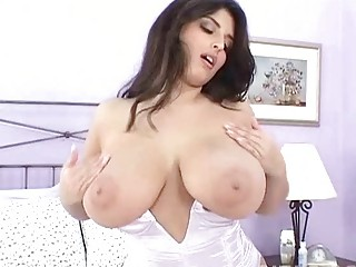 seductive brunette mother i masturbates in hot
