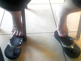 gilfs candid feet